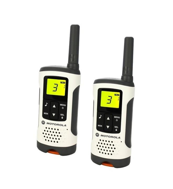 Motorola T50 - Walkie Talkie, hasta 6 km alcance, activación por voz, 8 canales y 121 códigos, color Blanco