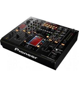 Pioneer DJM-2000NXS - Mesa de mezclas, 4 canales, conectividad avanzada, faders robustos