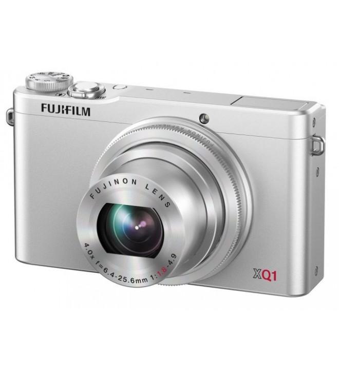Fujifilm XQ1 - Cámara compacta, incluye Funda y Tarjeta SD, 12 Mpx, pantalla 3 pulgadas, video 1080p 60fps, color Plata