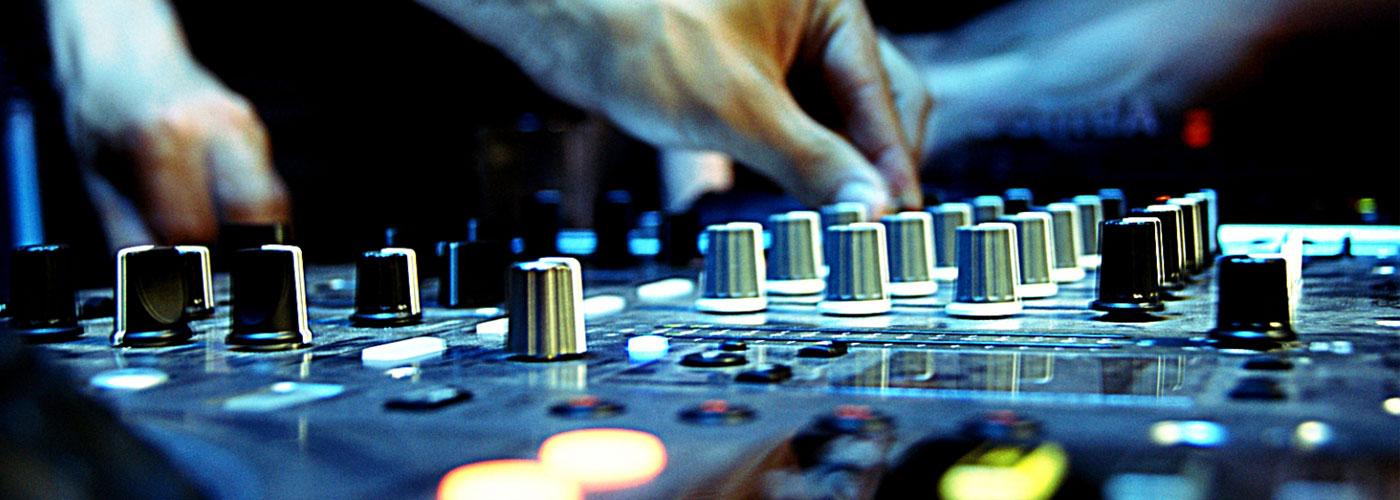En ORLY tenemos disponibles los mejores productos de Equipos DJ a un precio increíble en Tenerife, Canarias, Comprar Equipos DJ